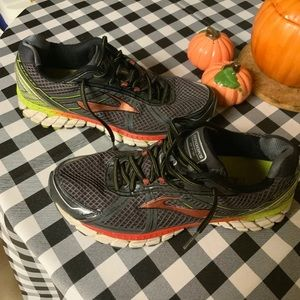 Men's brooks GTS 15 shoe